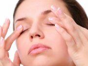 Mẹo dưỡng ẩm, chống khô mắt cho dân văn phòng đơn giản, hiệu quả.