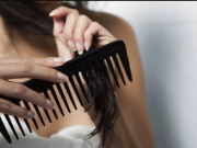 Những tips quan trọng khi gội đầu chị em cần ghim ngay để tránh làm tóc khô rụng.
